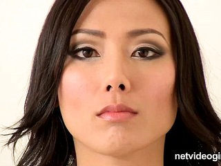 Asian Calendar Girl Emi - netvideogirls