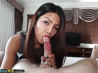 Ladyman in nylons and heels acquires barebacked hard